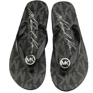 NWOT Black Michael Kors Flip Flop Sandals Size 10